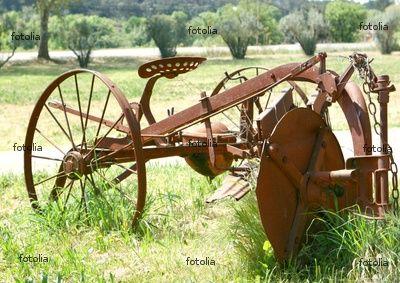 ancienne machine agricole. Black Bedroom Furniture Sets. Home Design Ideas